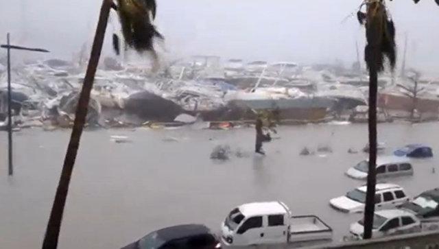 США в ожидании удара ураганов «Ирмы», «Кати» и «Хосе». Смотреть видео