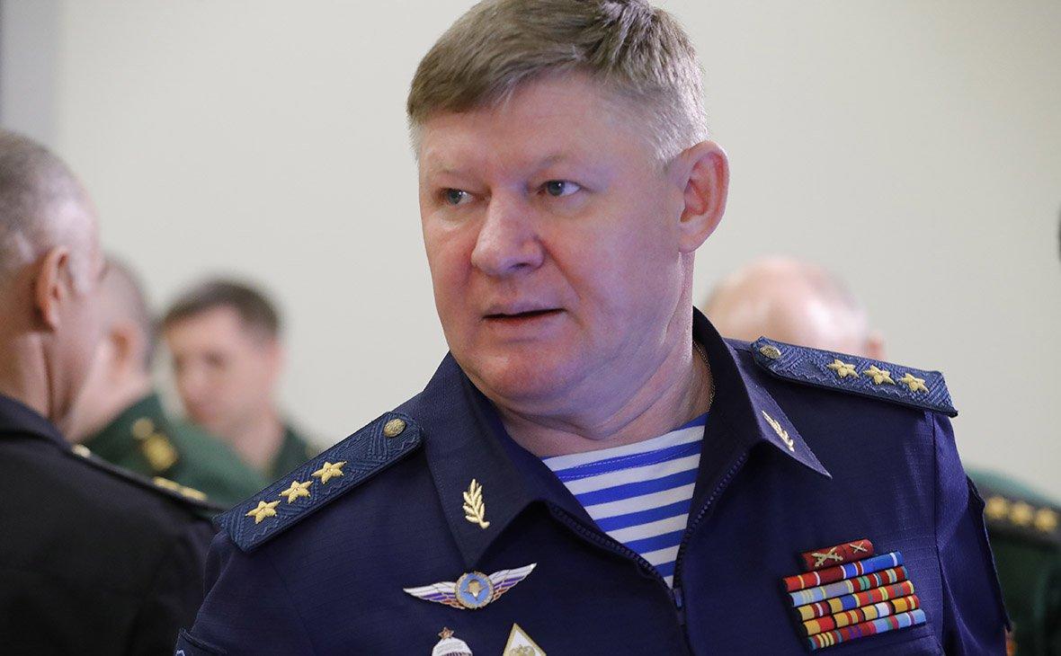 Главком ВДВ Сердюков попал в аварию. Смотреть видео