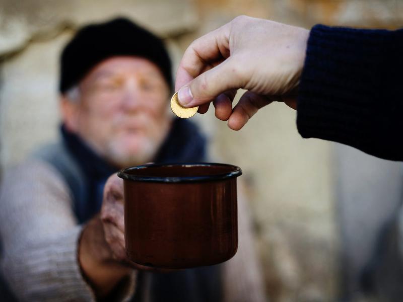 Росстат сообщил, что в России 21 100 000 нищих. Уникальная бедность!
