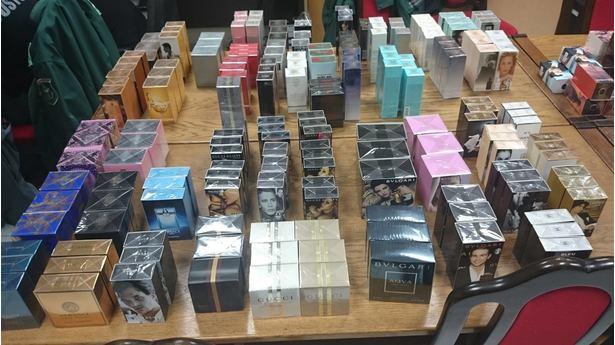 Духи по 1 рублю и 90% скидки на складе косметики и парфюмерии. Отзывы