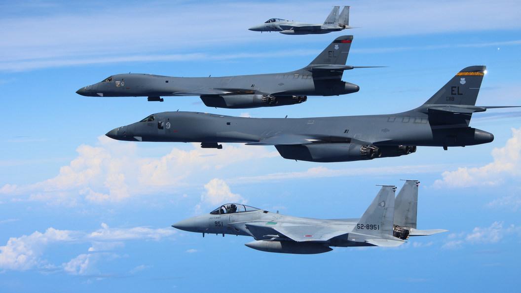 КНДР уничтожила бомбардировщики и эсминец США