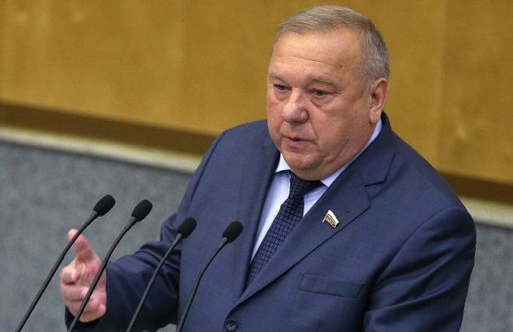 Шаманов назвал недостоверными данные о гибели большого количества россиян в Дейр-эз-Зоре