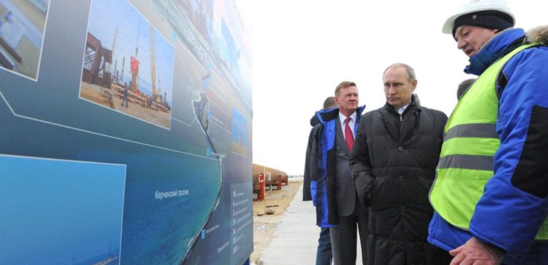 Путин на Крымском мосту. Крымский мост в цифрах и фактах