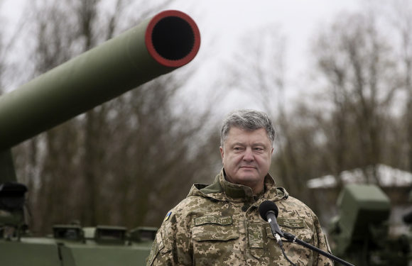 Порошенко заявил, что в мае начнется Операция объединенных сил в Донбассе