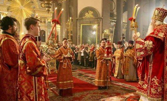 Расписание служб и богослужений в храмах и церквях на Пасху 2018