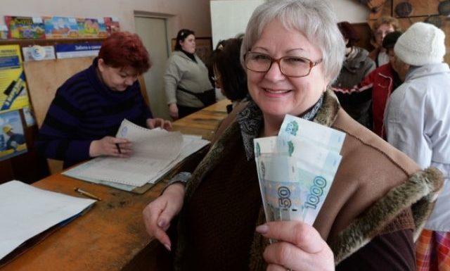 Меньше МРОТ — 11 163 рублей меньше получать никто не должен