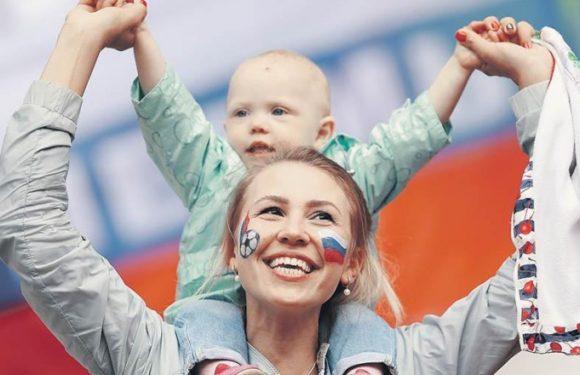 Пособие на детей до 3 лет планируется увеличить с 50 до 10 000 рублей