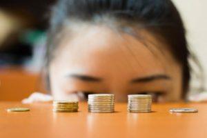 Минимальный уровень дохода граждан, не позволяющий взыскивать задолженность по кредитам