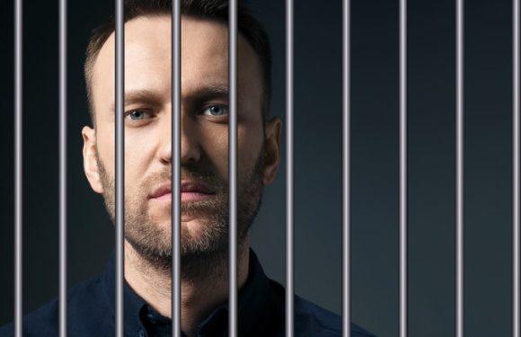 Арестованный Навальный призывает к акциям 9 сентября после выступления Путина