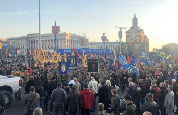 Захват Киево-Печерской лавры. Шествие в день создания УПА