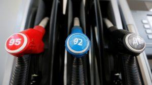 Избежать 5-рублевого повышения цен на бензин избежать все труднее!