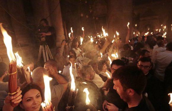 Сложностей с принесением Благодатного огня из Иерусалима в Россию на Пасху не будет