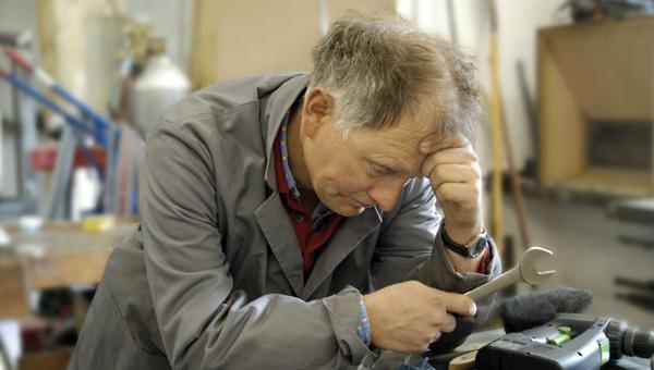 Стало известно, почему работающим пенсионерам не индексируют пенсию