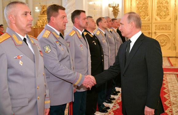 В Госдуме добиваются повышения денежного довольствия военных с 1 января 2019 года