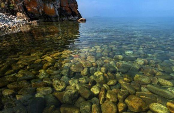 Самое чистое озеро в России-Байкал начало мутнеть на глазах